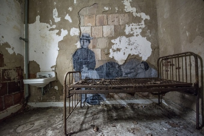ghosts of ellis island bed