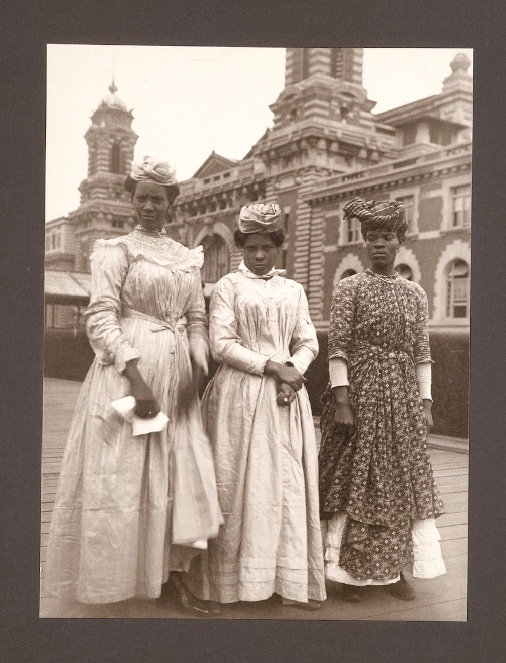 Ellis Island Immigrants12