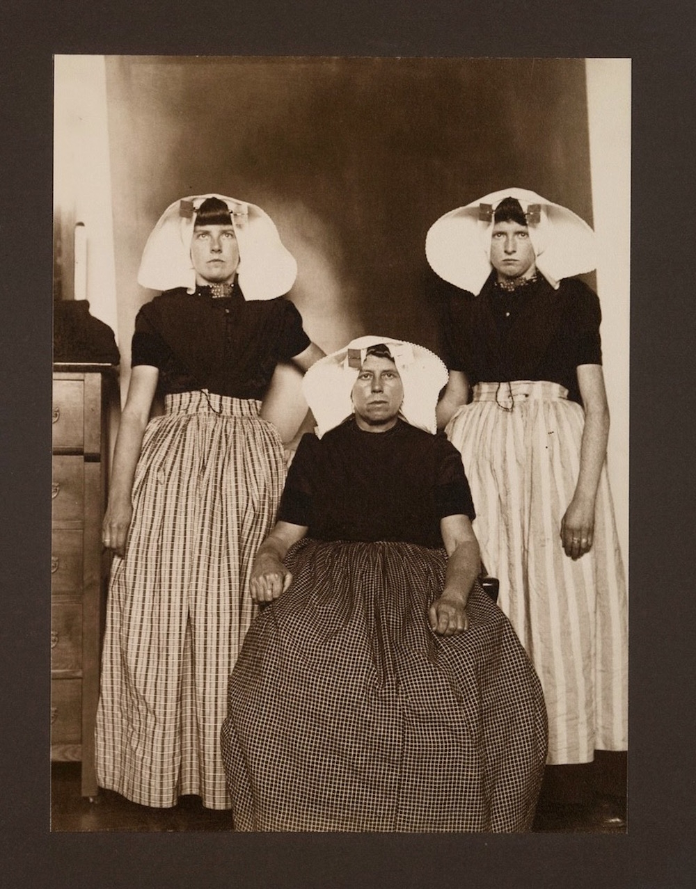 Ellis Island Immigrants14