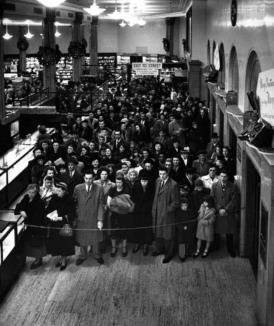 christmas shopping at Macy's 1948