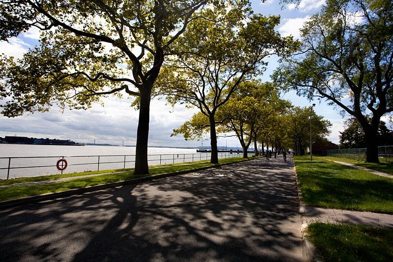 governors island bike path