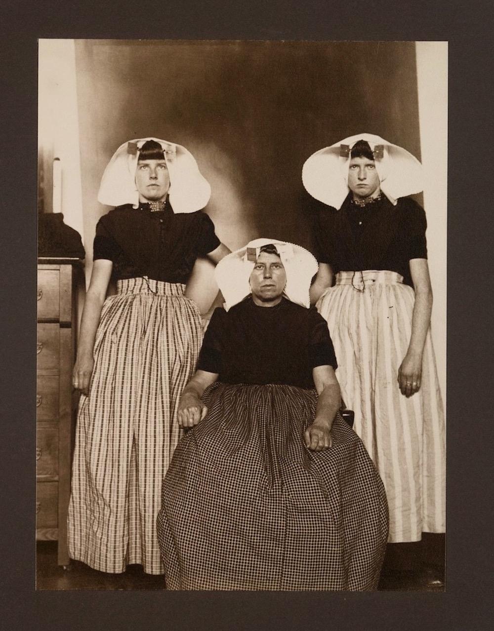 Ellis Island Immigrants14