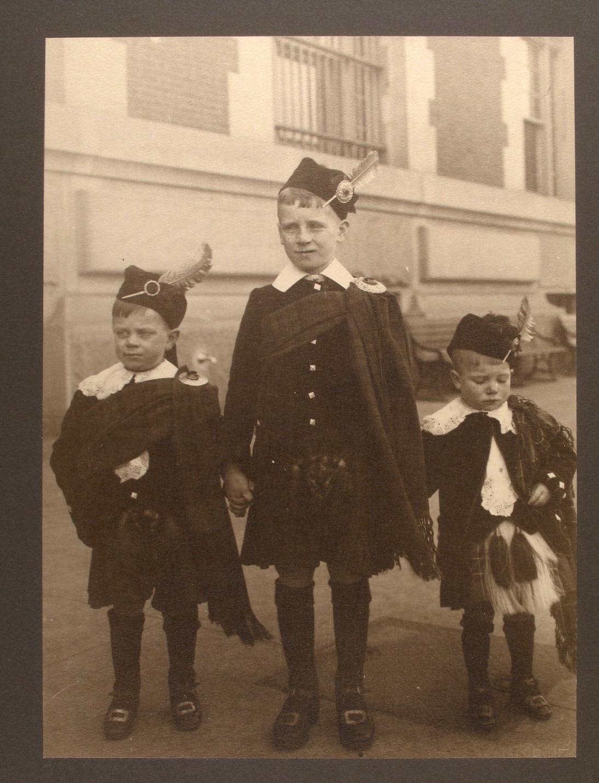 Ellis Island Immigrants2