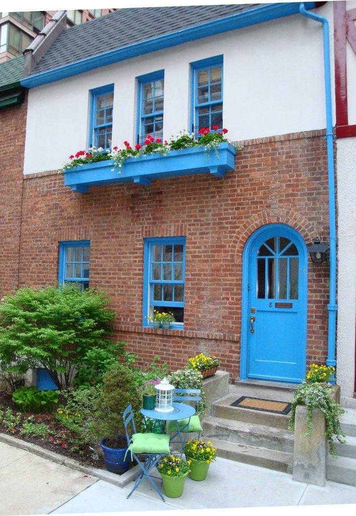 pomander walk new york blue cottage